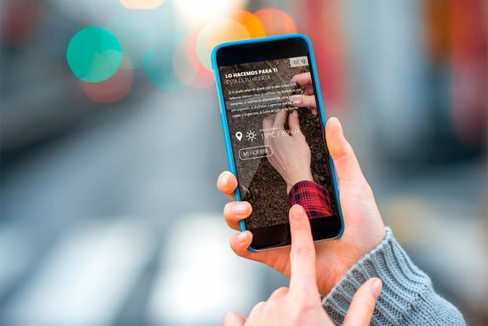 Web A Leira de Lola en smartphone