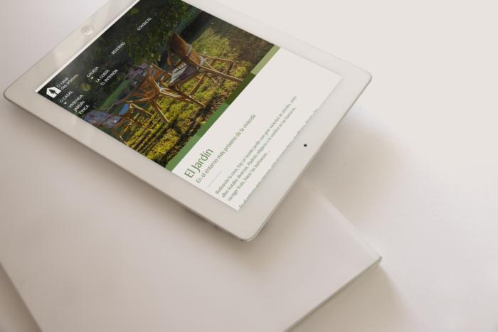 Web O Casal das Árbores en tablet